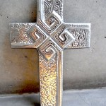 ピューターの十字架とサン・ミゲル・アジェンデ