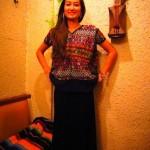 グアテマラの刺繍のポンチョ「ウイピル」の新入荷です